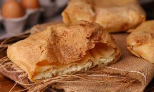 H συνταγή της ημέρας: Τυρόπιτα με φύλλο αέρος