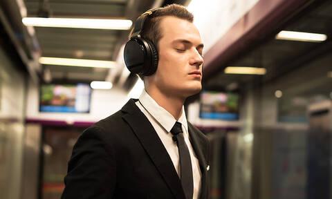 Προσοχή: Τι μπορεί να πάθεις αν φοράς συχνά ακουστικά