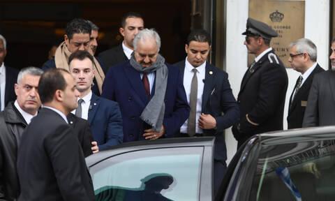 Ο Χαφτάρ πήγε στα Βλάχικα για «κοψίδια» πριν φύγει από την Αθήνα