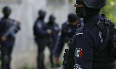 Φρίκη στο Μεξικό: Βρέθηκαν δέκα απανθρακωμένα πτώματα μέσα σε πυρπολημένο αυτοκίνητο