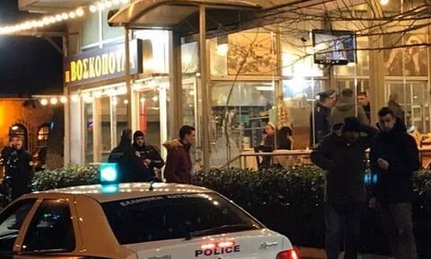 Μαφιόζικο χτύπημα σε ταβέρνα στη Βάρη: Δύο νεκροί και μία τραυματίας