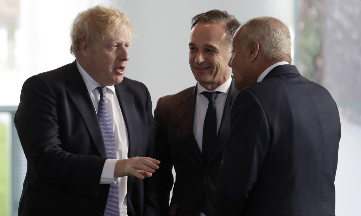 «Παγωμένο» τετ-α-τετ Τζόνσον – Πούτιν: Τι είπαν οι δύο άνδρες;
