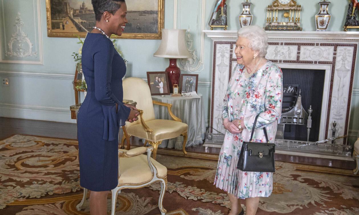 Από το επίσημο site της royal family λείπει ένα βασικό μέλος και όλοι αναρωτιούνται γιατί