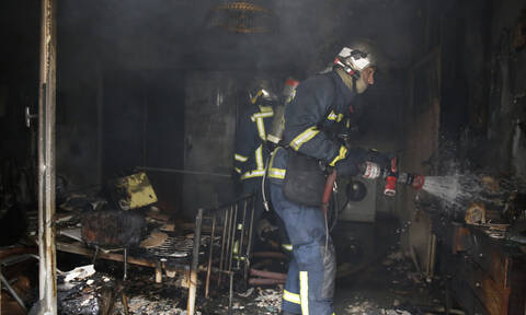 Τραγωδία στου Ρέντη: Νεκρός από φωτιά σε εγκαταλελειμμένο κτήριο