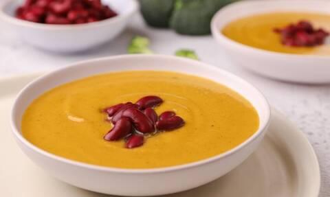 H συνταγή της ημέρας: Σούπα με μπρόκολο και γλυκοπατάτα