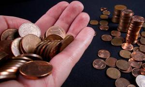 Χάσανε το μέτρημα: Αγόρασε αμάξι πληρώνοντας με… κέρματα
