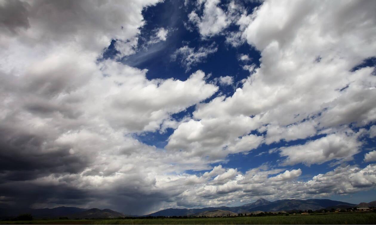 Καιρός: Με συννεφιά και κρύο η Τρίτη - Πού θα σημειωθούν βροχές και χιονοπτώσεις (pics)