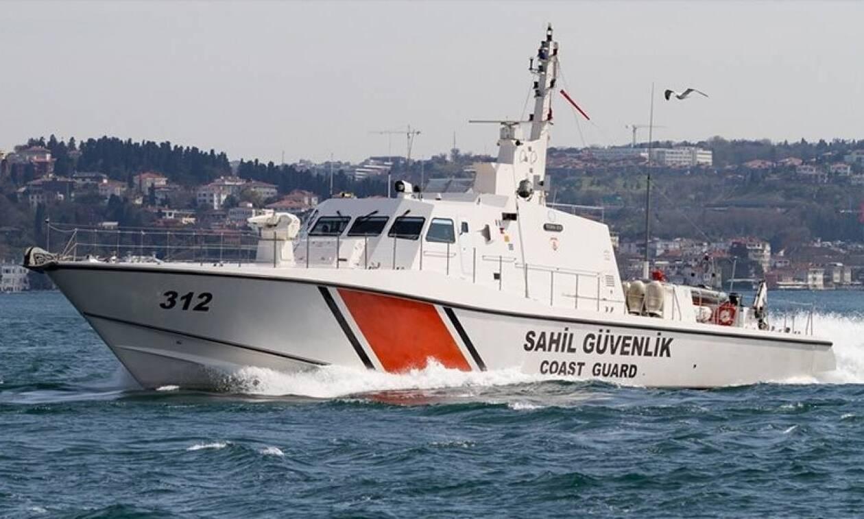 Νέα παρενόχληση Ελλήνων ψαράδων: Τούρκοι λιμενικοί έκλεψαν παραγάδια αλιευτικού (vid)