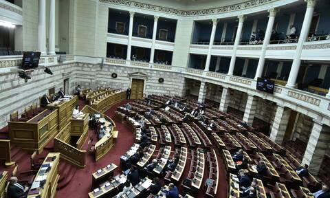 Βουλή: Υπερψηφίστηκε επί της αρχής το νομοσχέδιο του υπουργείου Παιδείας