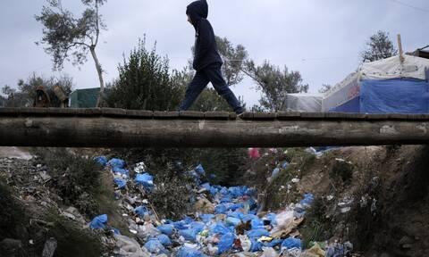 Ωρολογιακή βόμβα το προσφυγικό: Στους δρόμους οι νησιώτες – Παραλύουν Χίος, Μυτιλήνη και Σάμος