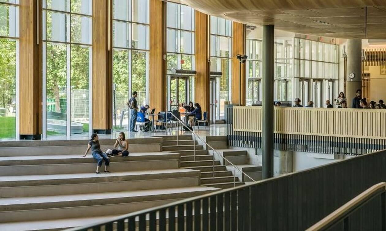 Σάλος: Φοιτητές έκαναν σεξ μέσα σε πανεπιστήμιο (Ακατάλληλες εικόνες)