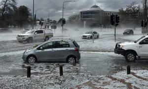 Αυστραλία: Καταστροφικές πλημμύρες - «Άφωνοι» οι κάτοικοι με αυτό που αντίκρισαν στη μέση του δρόμου
