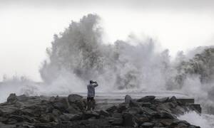 «Γκλόρια»: Κύματα 13,5 μέτρων χτύπησαν την Ισπανία - 8 νεκροί