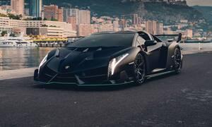 Πόσο λέτε ότι θα πουληθεί μια εκπληκτική Lamborghini Veneno Roadster;