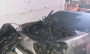 Αθήνα: Πυρπόλησαν τέσσερα αυτοκίνητα στο Κολωνάκι (pics)