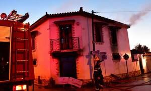 Άργος: Κανένα ίχνος των δύο αδελφών - Φόβοι ότι δεν πρόλαβαν να βγουν από το φλεγόμενο σπίτι (pics)