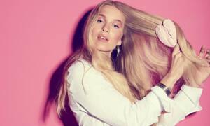 Τέσσερα μυστικά για να χτενίζεις σωστά τα νωπά μαλλιά σου
