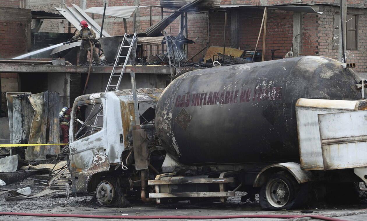 Κόλαση στο Περού: Νεκροί και δεκάδες τραυματίες από έκρηξη βυτιοφόρου μεταφοράς αερίου στη Λίμα