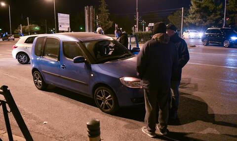 Τραγωδία στη Λεωφόρο Ποσειδώνος - Αυτοκίνητο παρέσυρε ζευγάρι - Ένας νεκρός (pics)