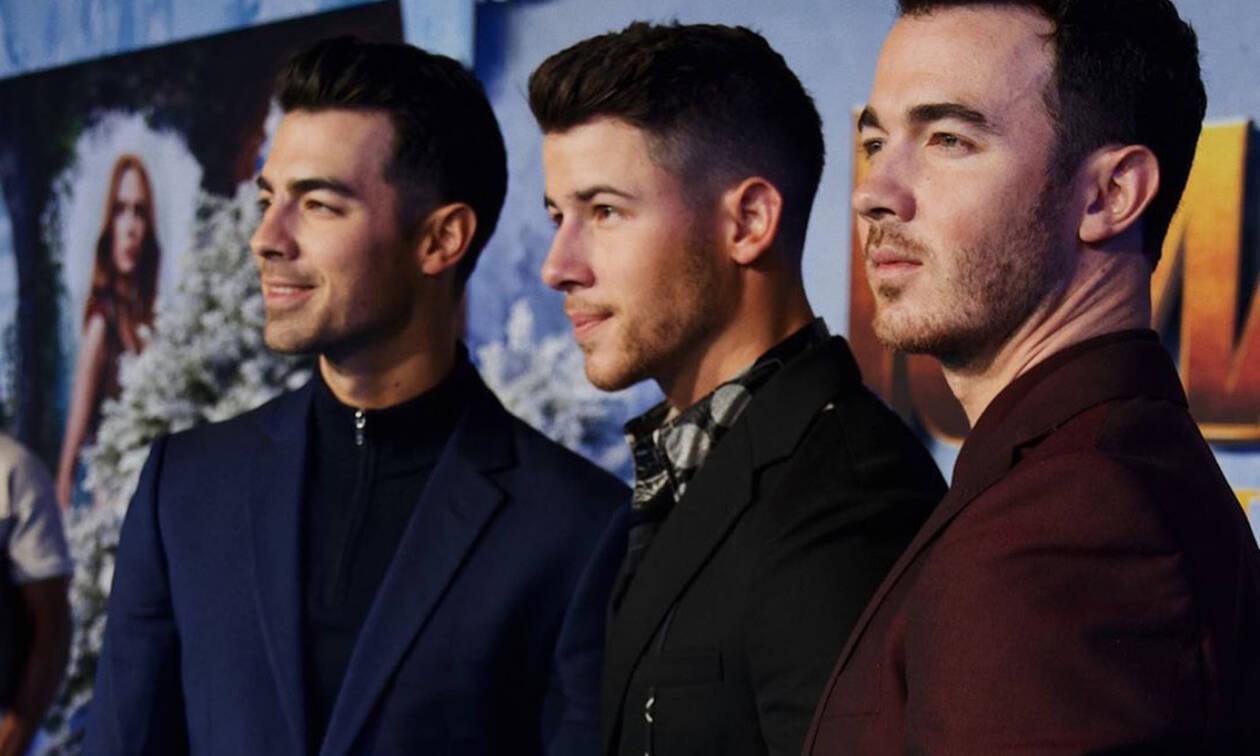 Οι Jonas Brothers τρολάρουν τις Kardashians και είναι ό,τι πιο αστείο θα δεις σήμερα