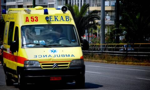 Λεωφόρος Σχιστού: Ένας νεκρός από τη σύγκρουση τουριστικού λεωφορείου με μοτοσικλέτα (vid)