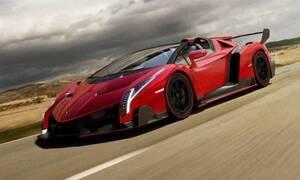Μία από τις εννέα Lamborghini Veneno Roadsters θα πουληθεί σε δημοπρασία στο Παρίσι