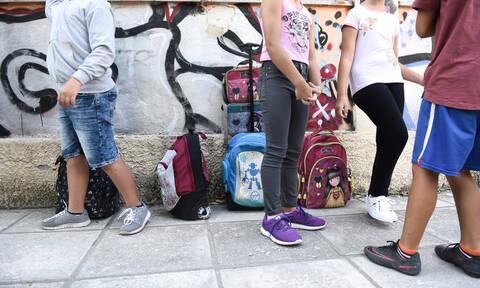 Θεσσαλονίκη: Στην εισαγγελία το περιστατικό με το γλείψιμο «τουρκικής» τουαλέτας από μαθήτρια