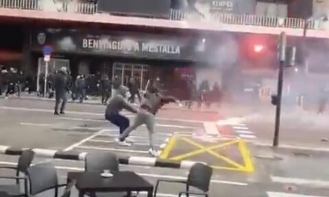 Βαλένθια - Μπαρτσελόνα: Συμπλοκές οπαδών στους δρόμους! (video)