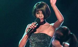 Αυτή είναι η ηθοποιός που θα ενσαρκώσει τη Whitney Houston (pics)