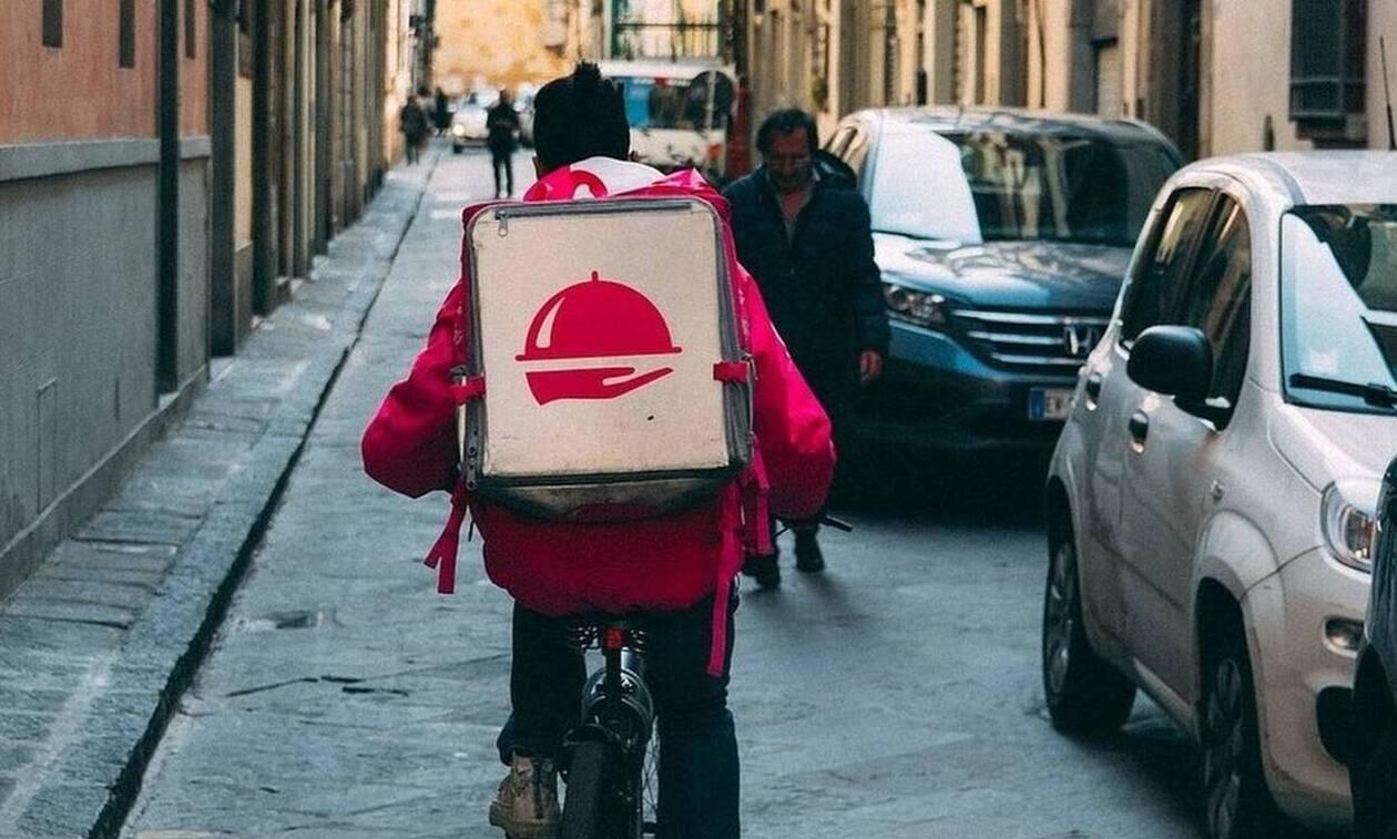 Παρήγγειλαν πίτσα – «Πάγωσαν» όταν είδαν τι έκανε ντελιβεράς (pics)