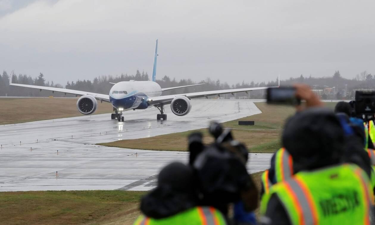 Εντυπωσιακές εικόνες από την παρθενική πτήση του «γίγαντα» των αιθέρων, του 777Χ της Boeing