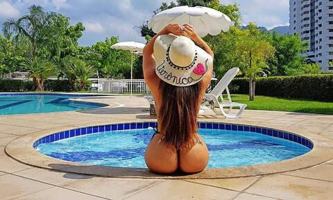 Γνωστή σεξοβόμβα προκαλεί: «Θέλω βρώμικο σεξ και χαστούκια από πίσω...»