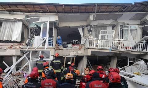 Σεισμός στην Τουρκία: Στους 38 οι νεκροί – Βάζουν τέλος στις επιχειρήσεις διάσωσης