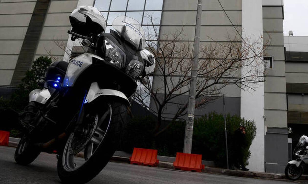 Προσαγωγή δύο αστυνομικών για υπόθεση ναρκωτικών