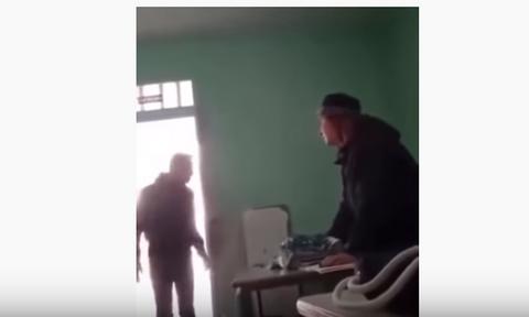 Βίντεο-σοκ: Μαθητής «τραμπουκίζει» καθηγήτρια - Τι δήλωσε η Κεραμέως