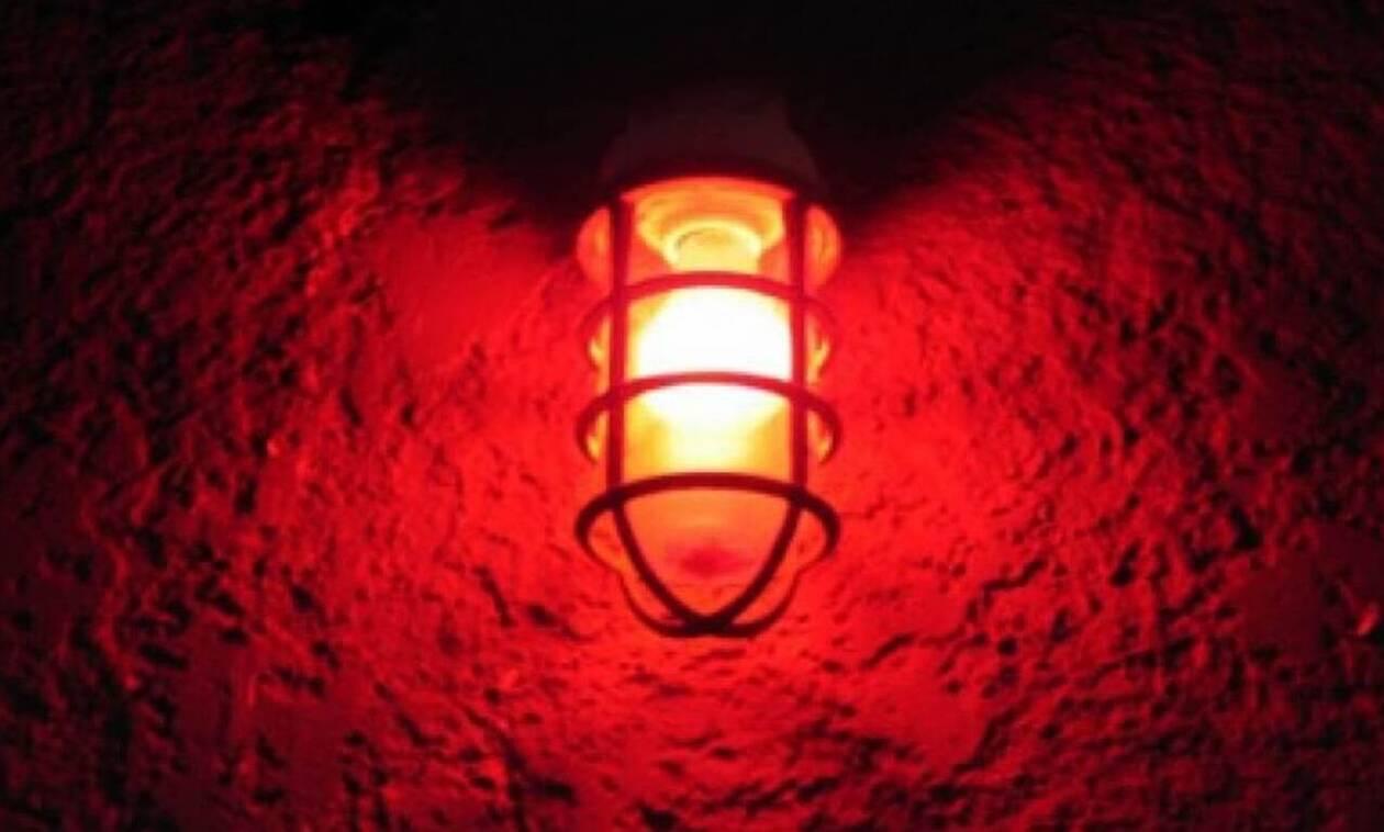 Γιατί οι οίκοι ανοχής έχουν κόκκινος φως;