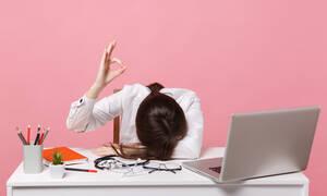 Σύνδρομο εργασιακής εξουθένωσης στις γυναίκες: 8 απλοί τρόποι αντιμετώπισης (εικόνες)