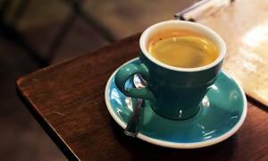 Κόψατε την καφεΐνη; Οι πιθανές παρενέργειες που πρέπει να γνωρίζετε (εικόνες)