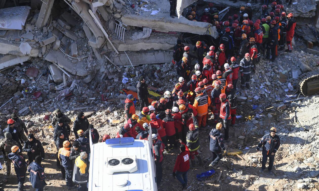 Φονικός σεισμός στην Τουρκία: Θρήνος για τους 41 νεκρούς – Σταματούν οι έρευνες διάσωσης