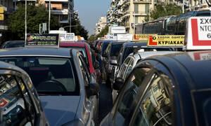 Τι αλλάζει στις άδειες οδήγησης – Πρόστιμο έως και 1.000.000 ευρώ σε όποιον κλείνει δρόμους