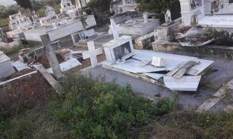 В Каламате вандалы раскопали могилу женщины и разрушили 6 памятников