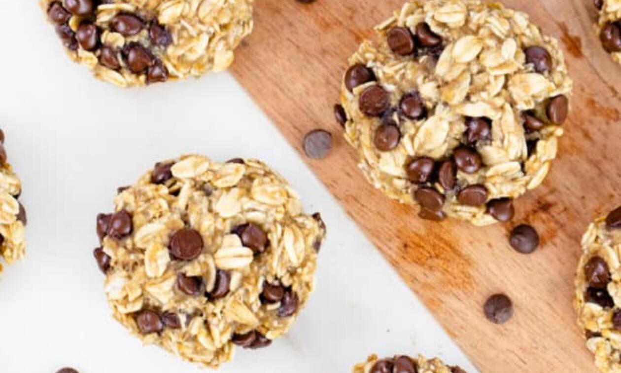 Υγιεινά μπισκότα μπανάνας - βρώμης με 3 μόνο υλικά (vid)