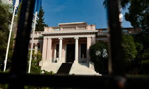 Κυβερνητικοί κύκλοι για ΣΥΡΙΖΑ: Πρέπει να τιμωρείται όποιος παρανομεί ή όχι; Ας μας πουν καθαρά