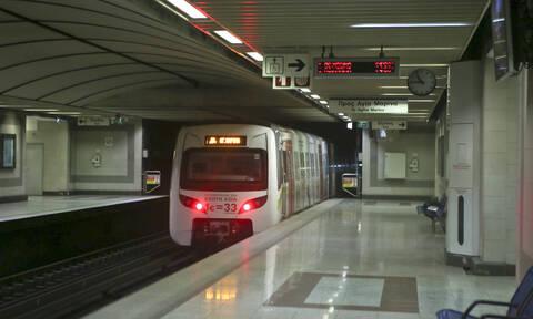 Μετρό της Αθήνας: Ένα εκατομμύριο επιβάτες την πρώτη ημέρα λειτουργίας του!