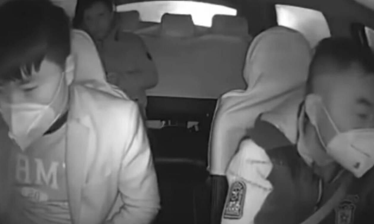 Κοροναϊός: Βίντεο-σοκ με οδηγό ταξί να διώχνει επιβάτη επειδή βήχει