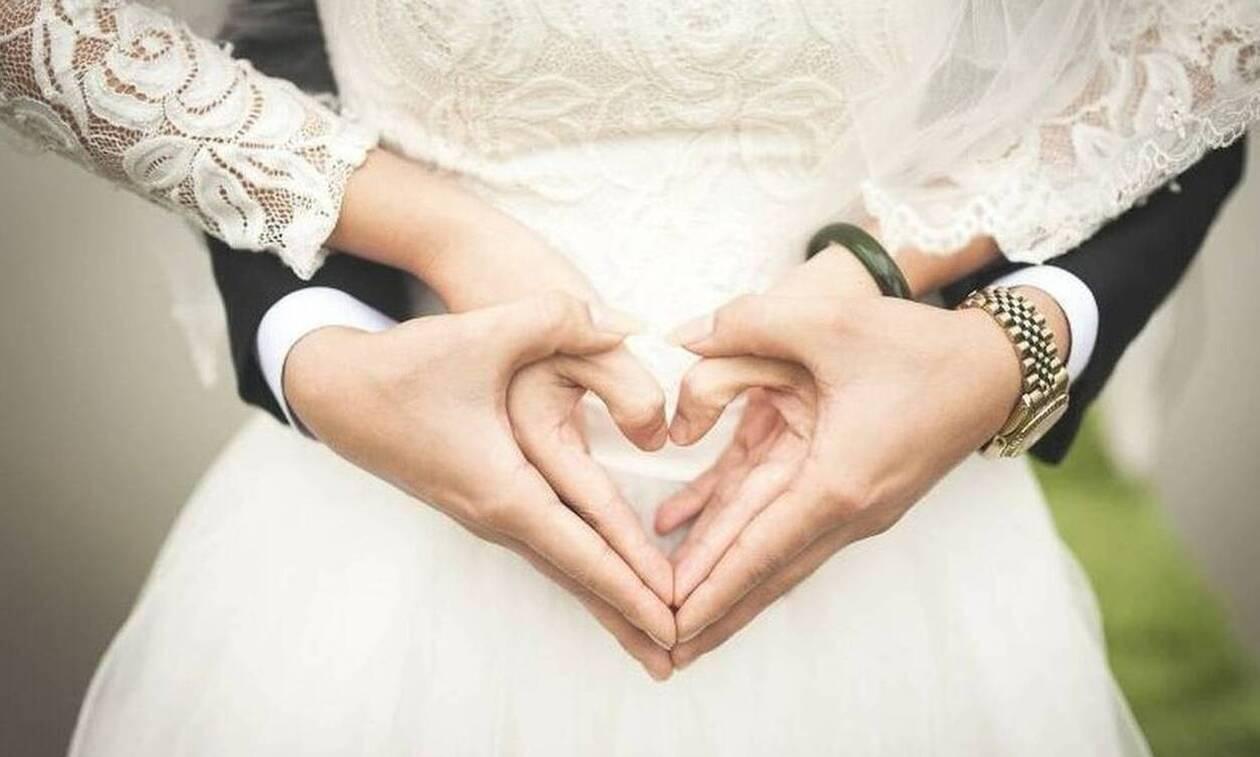 Σάλος σε γάμο: Ξέσπασε σε κλάματα η νύφη - Τι της έκανε ο γαμπρός
