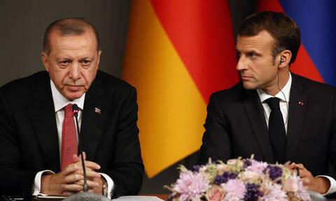 Ερντογάν σε Μακρόν: Η Γαλλία υπεύθυνη για τα προβλήματα στη Λιβύη