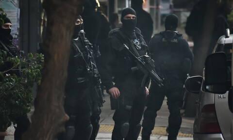 Συνελήφθη από την αντιτρομοκρατική ο γνωστός δραπέτης «τοξοβόλος» και δυο γυναίκες