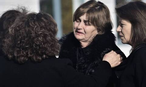 Ελένη Τοπαλούδη: Καταρρακωμένοι οι γονείς της - «Ξαναζούμε τον «εφιάλτη» της δολοφονίας» (vid)