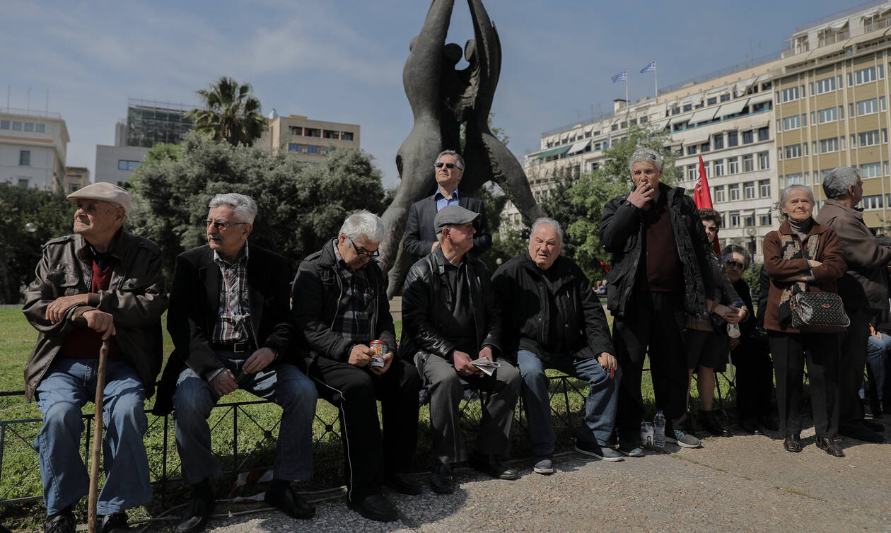 Συντάξεις: Κρυφό μπόνους έως 177 ευρώ το μήνα - Ποιοι θα το πάρουν